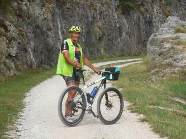 Josef Meier unterwegs mit dem Velo