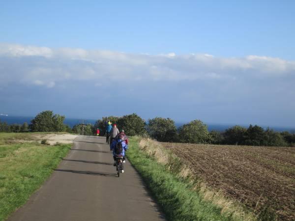 Der Weg Richtung Norden verläuft auf gut ausgebauten Radwegen