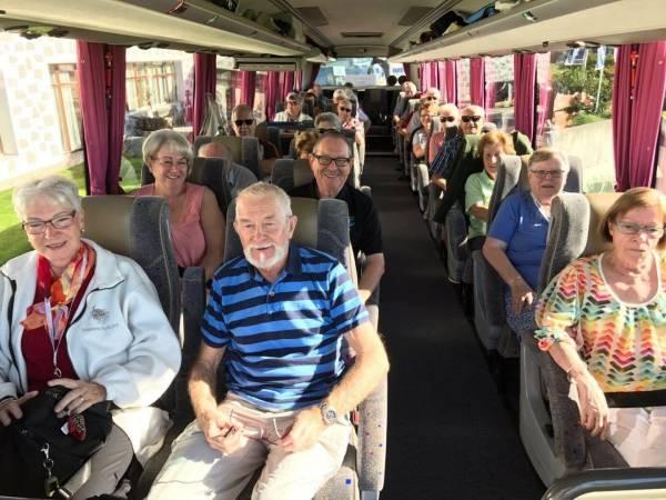 Mit dem Königsklasse-Bus auf der Dankereise